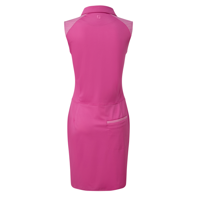 Pikee-Kleid mit angedeuteten Cap-Ärmeln